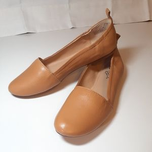 "🆕️ Latigo Tan Leather Flats ""Gettie""  by Latigo"